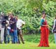 Manisha Koirala Performs In Delhi Zoo! Hindi News