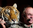 Michael Hackenberger Beats The Tiger Brutally! English News