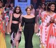 Shraddha Kapoor Becomes The Cynosure Of All Eyes! Hindi News