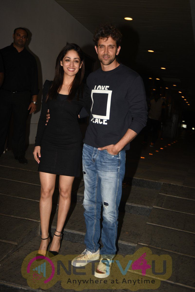 Hrithik Roshan Celebrates 43rd Birthday With Ex Wife Sussanne, Yami Gautam And His Family Photos Hindi Gallery