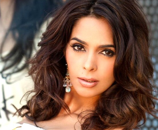 Mallika Sherawat Particular About Spreading Veganism In India
