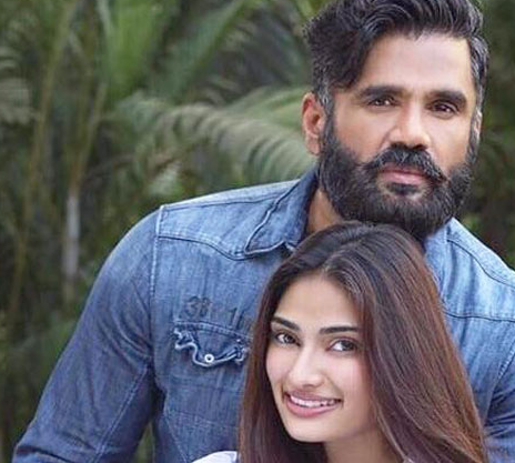 Suniel Shetty's Daughter Joins Hands With Him F..