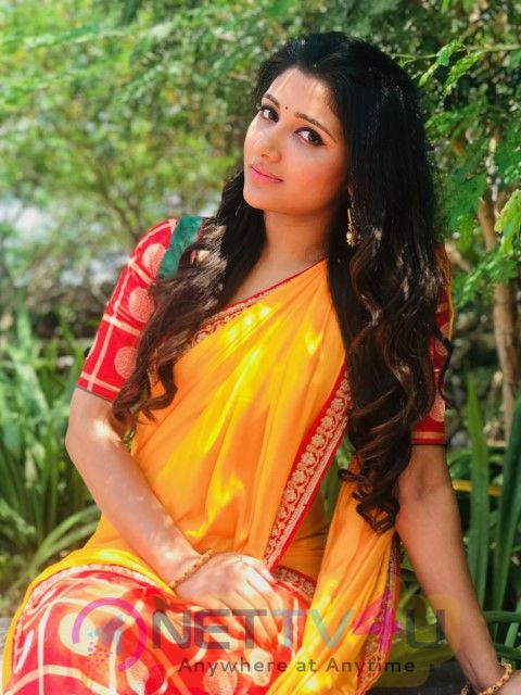 Actress Adhiti Traditional Look Photos  Tamil Gallery