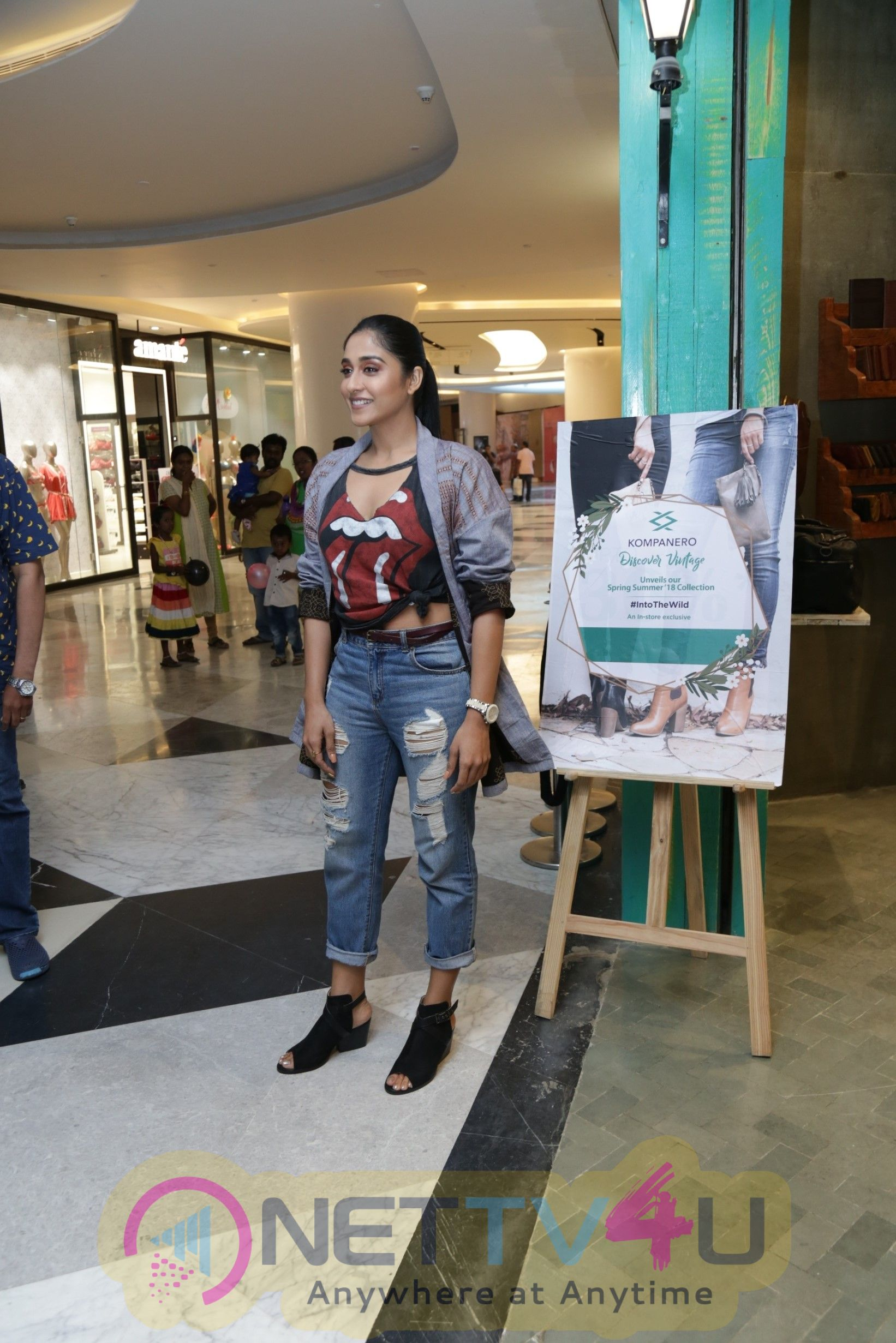 Actress Reginaa Cassandraa Launches 'kompanero' Ss' 18 Vintage Leather Accessories & Footwear Brand At Palladium Mall Pics