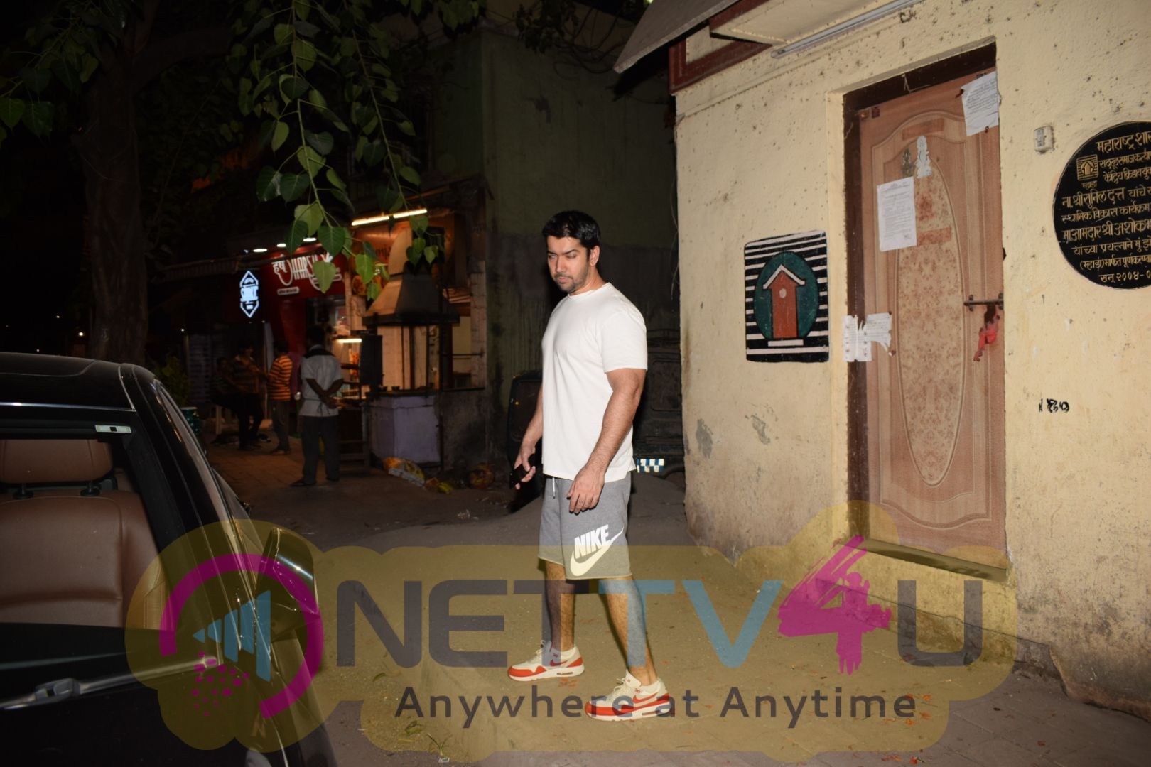 Varun Dhawan Spotted At Gym In Juhu Exclusive Stills