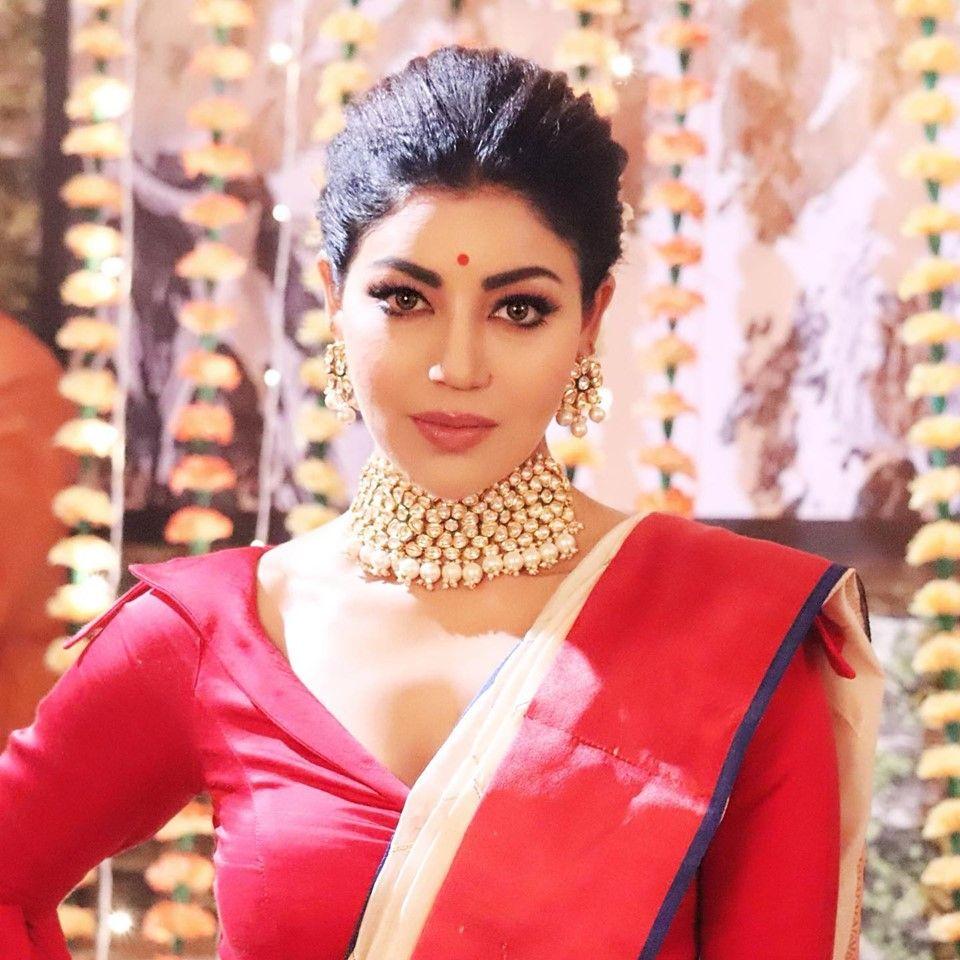 Actress Debina Bonnerjee Lovely Stills Kannada Gallery