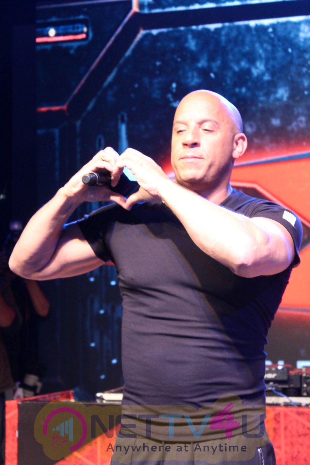 Crowd Interaction Of Vin Diesel And Deepika Padukone At Phoenix Mall Photos