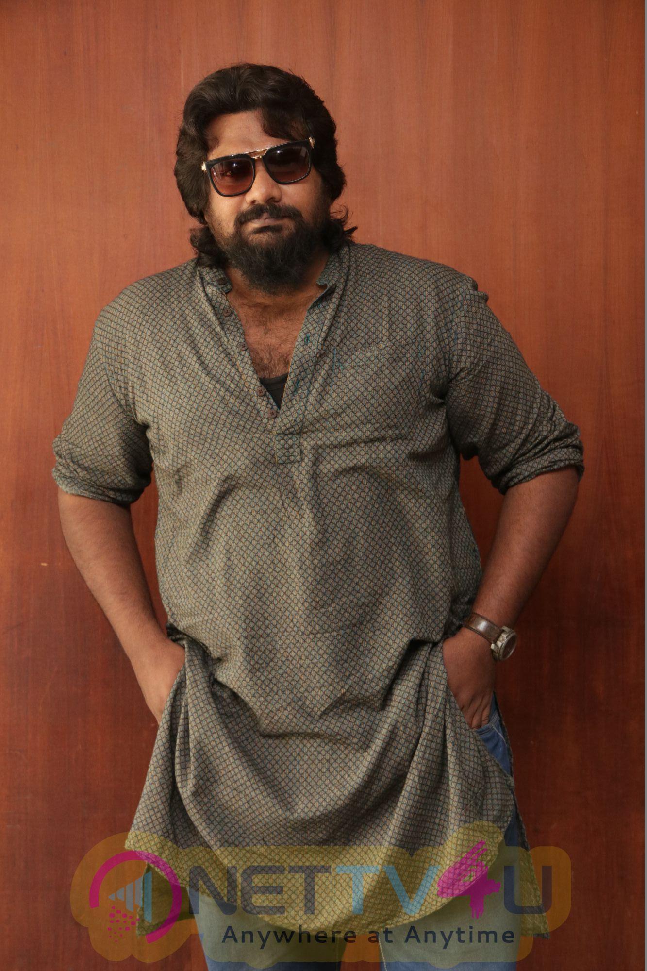 Ennodu Vilayadu Movie Press Meet Photos
