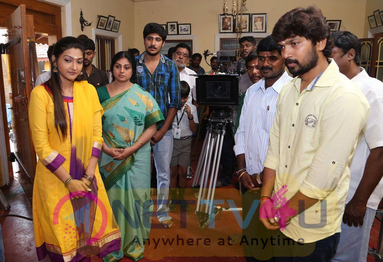 Plus Or Minus Tamil Movie Pooja Stills
