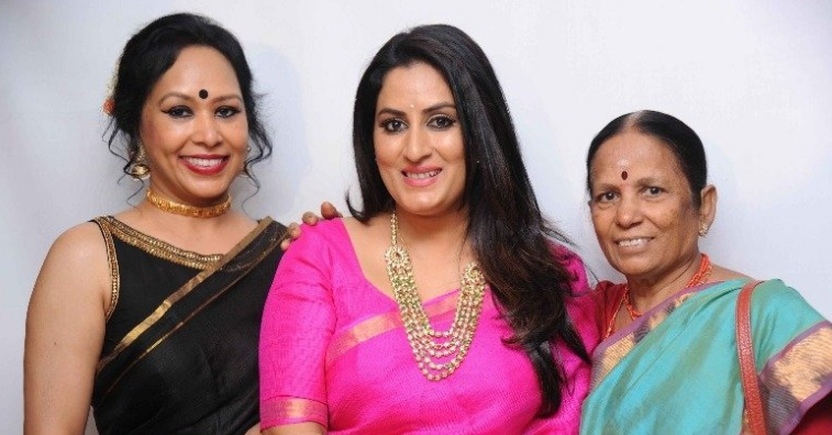Gayathri Ravi Showers Praise On Director Roopa Iyer Kannada News