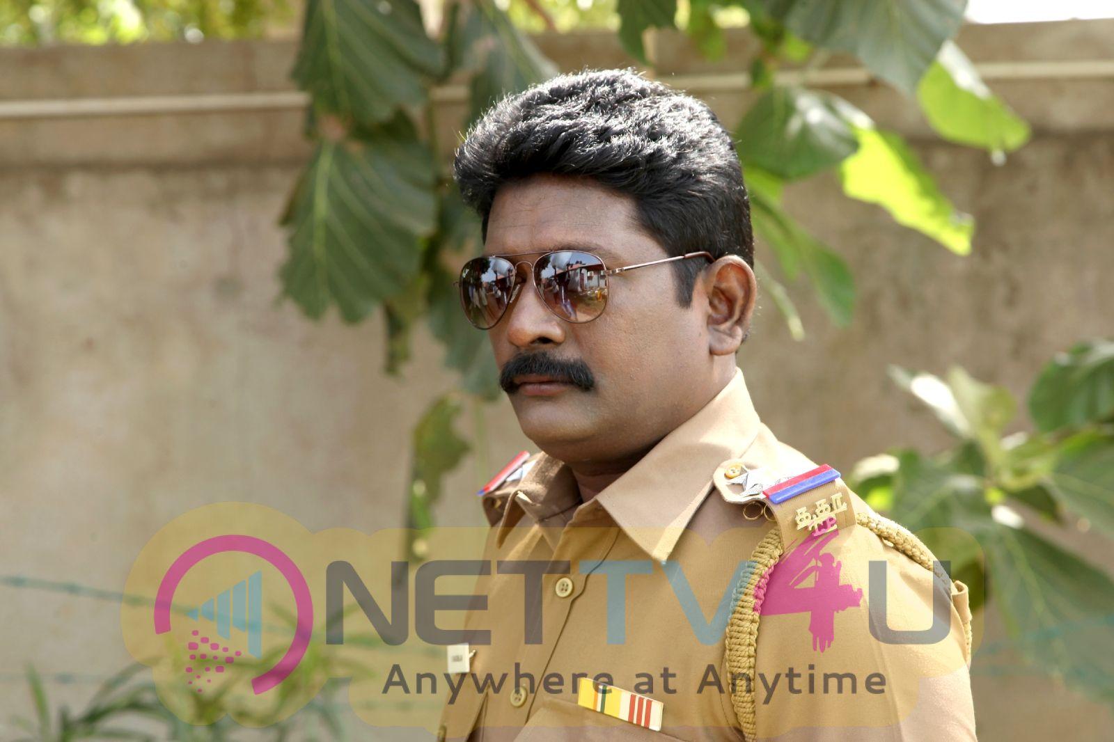 Thannale Velivarum Thayangadhe Movie Photos