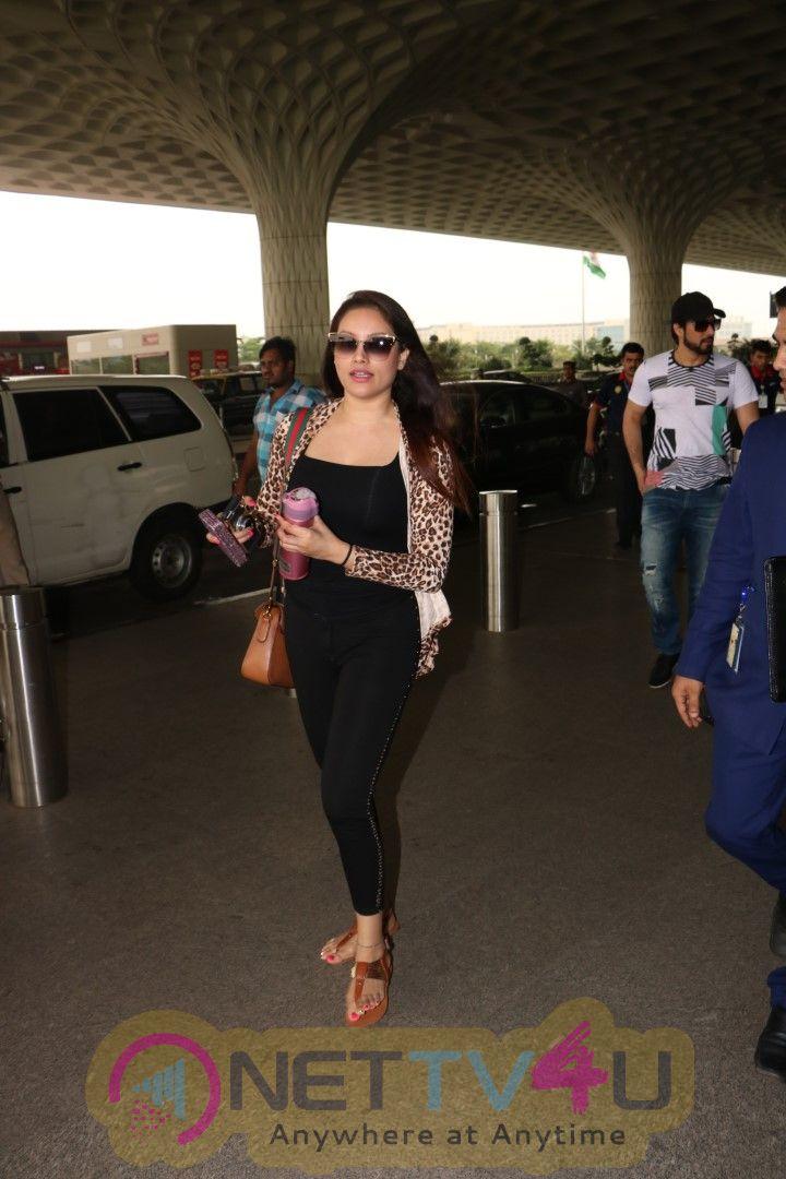 Actress Nikii Daas Spotted At Airport Images