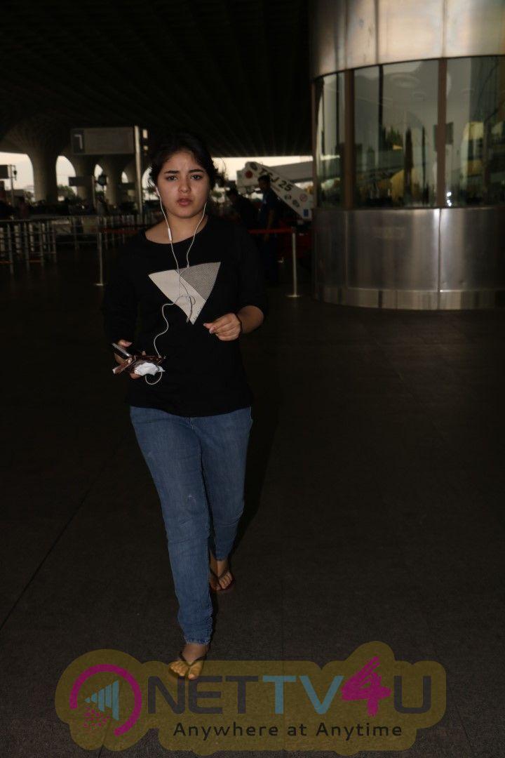 Zaira Wasim Spotted At Airport Stills