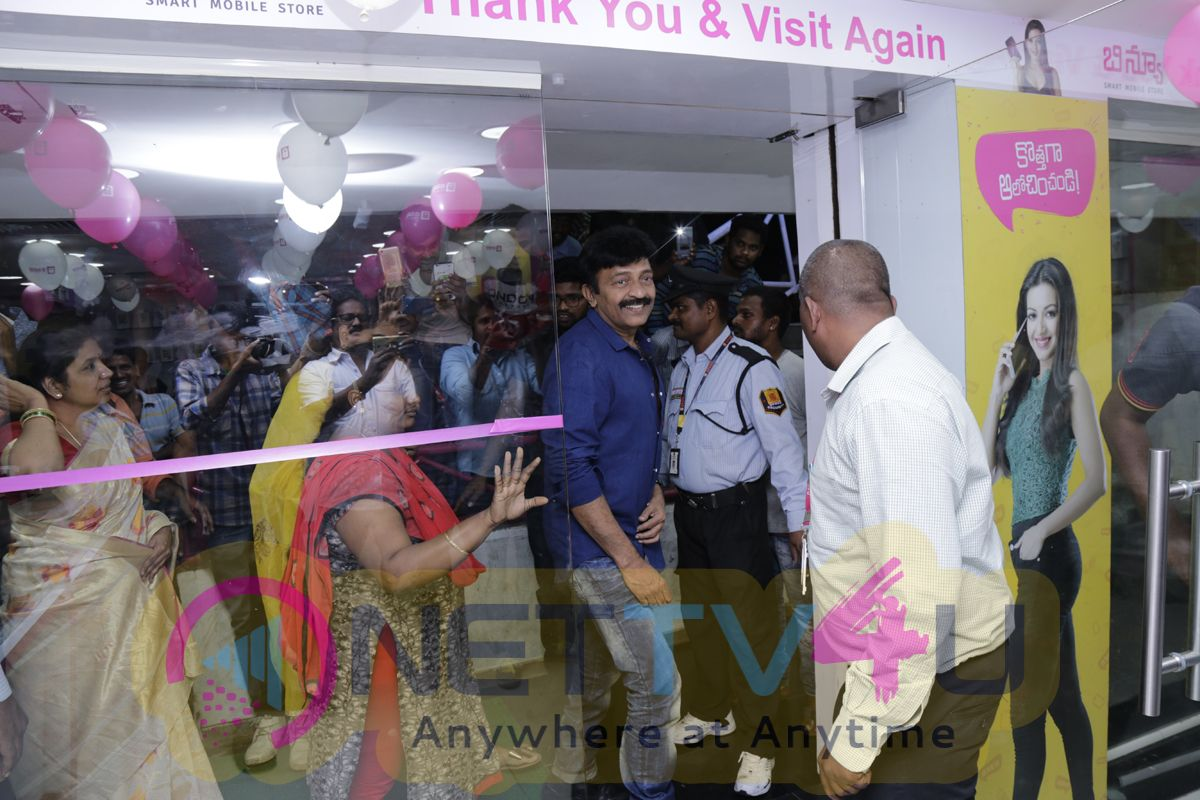 Rajasekhar And Jeevitha At B New Mobile Store At Gajuwaka Photos