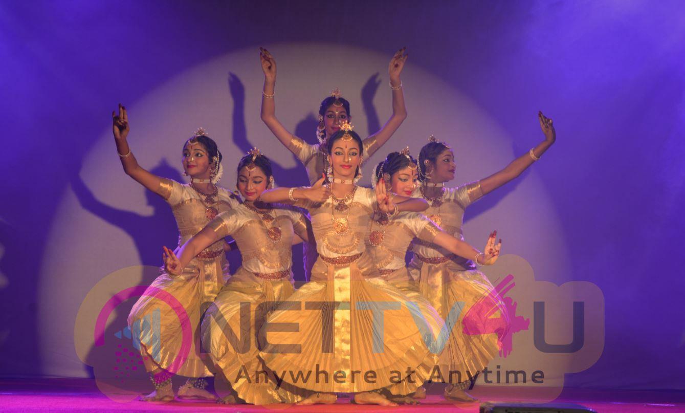 Vivekananda Navaratri Day 7 Cute Photos