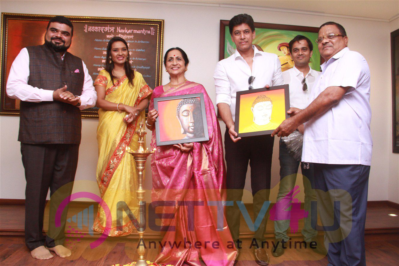 Padma Shri Aruna Sairam Inaugurated Artwaley Market Place For Painting By Dimple Jain Stiils