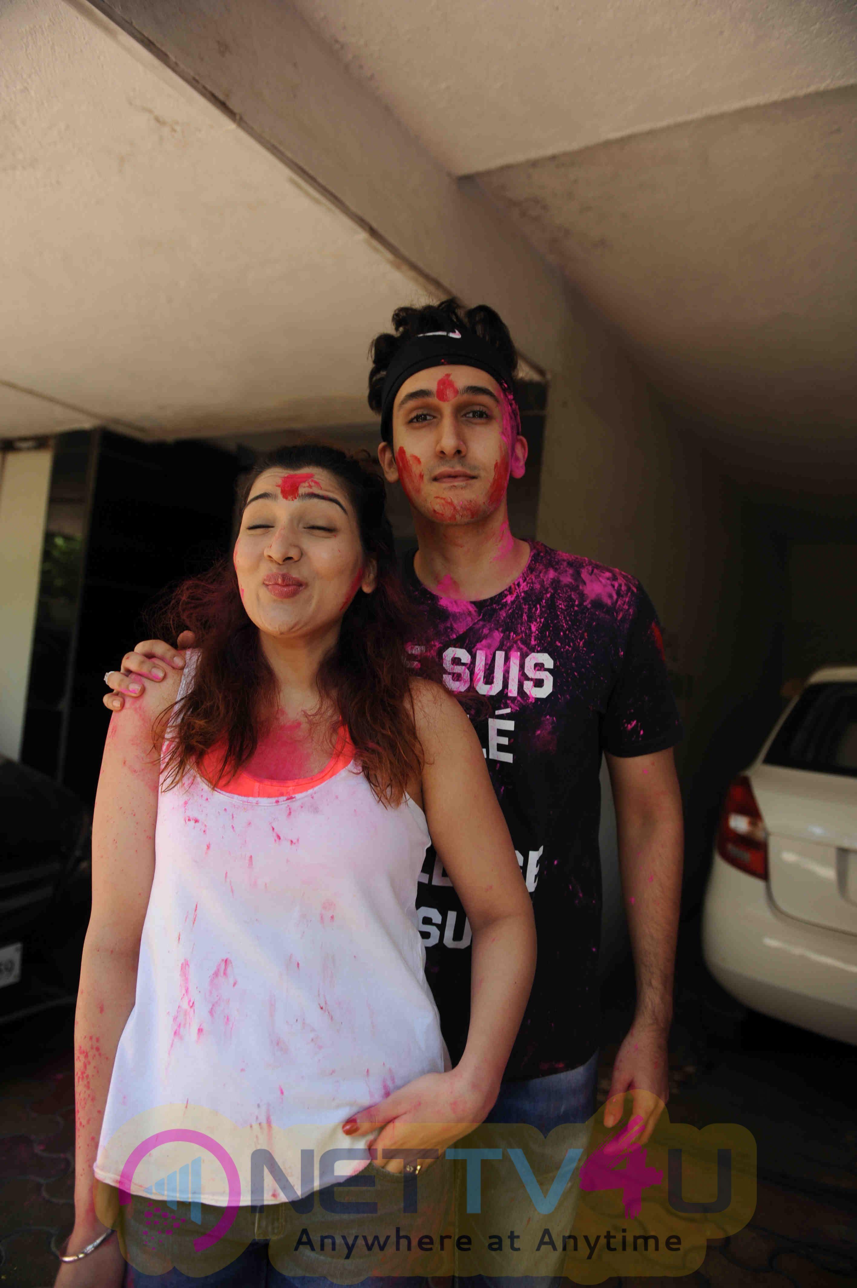 Photos Of Govinda Celebrates Holi With His Family Hindi Gallery