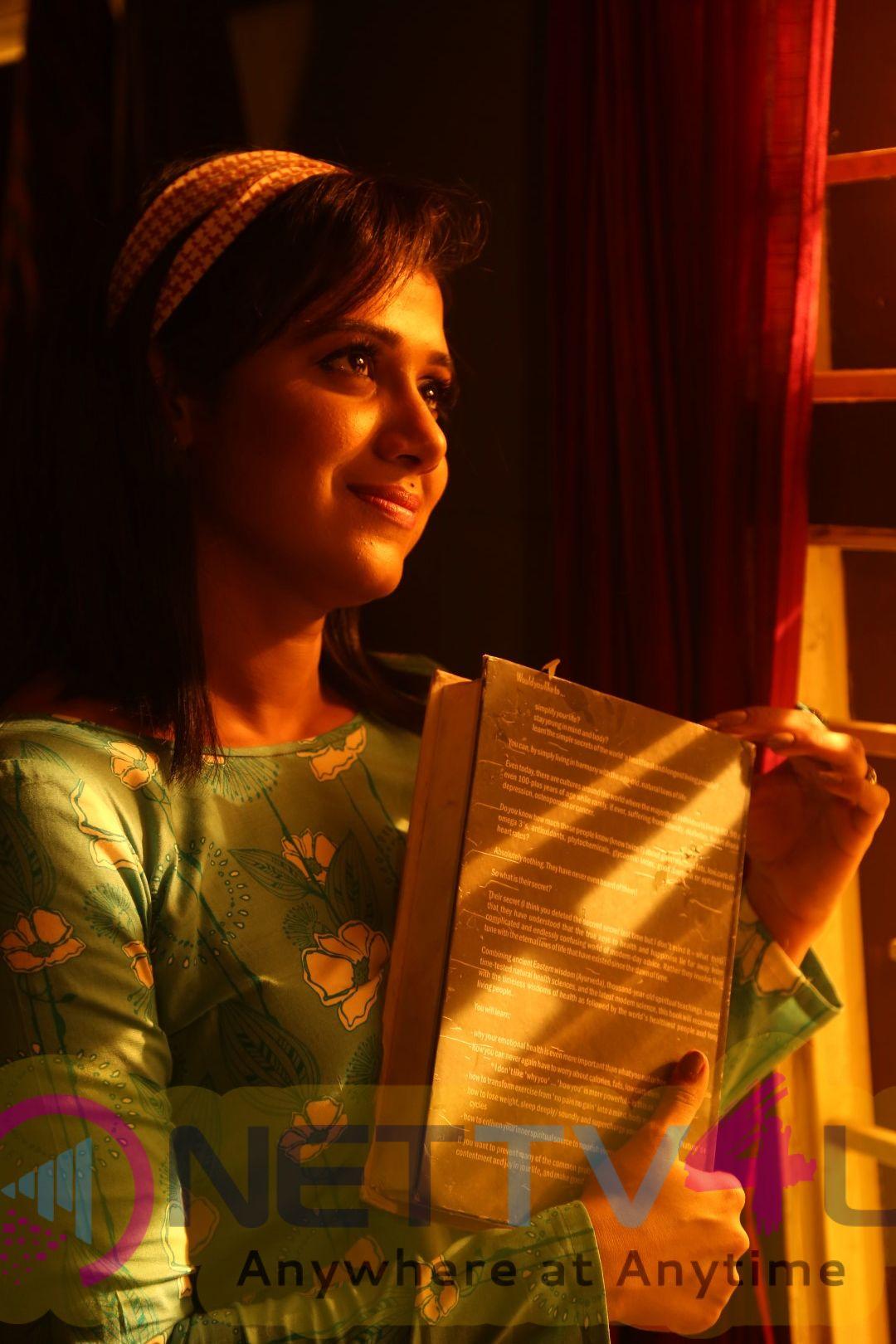 Zee TV Show En Autograph