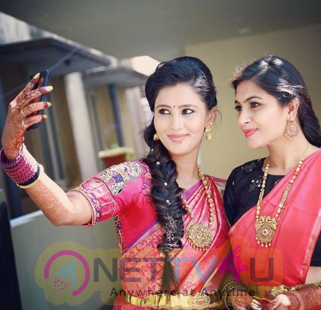 Sonu Gowda Most Romantic Stills