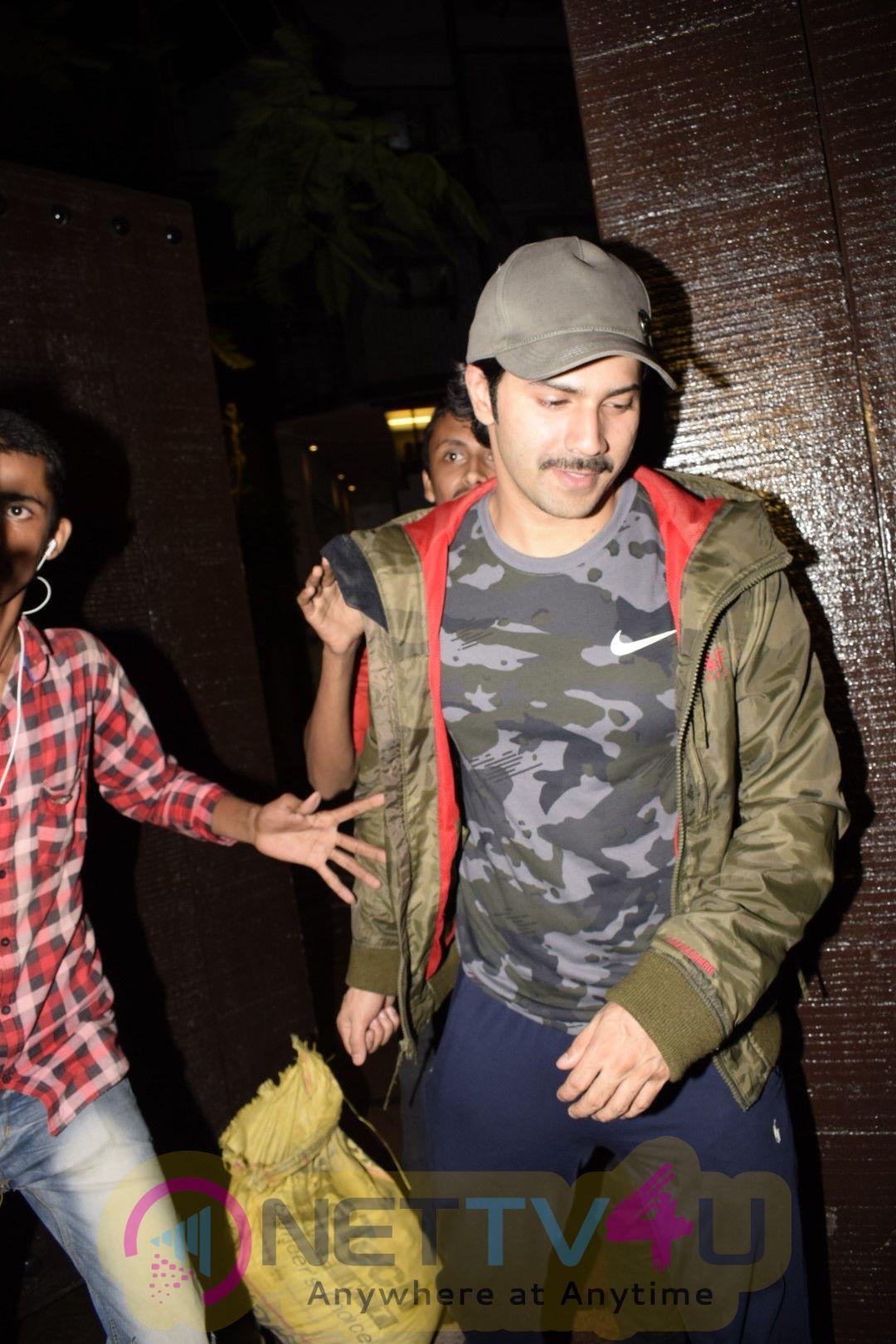 Varun Dhawan Came To Gym In Juhu Pics