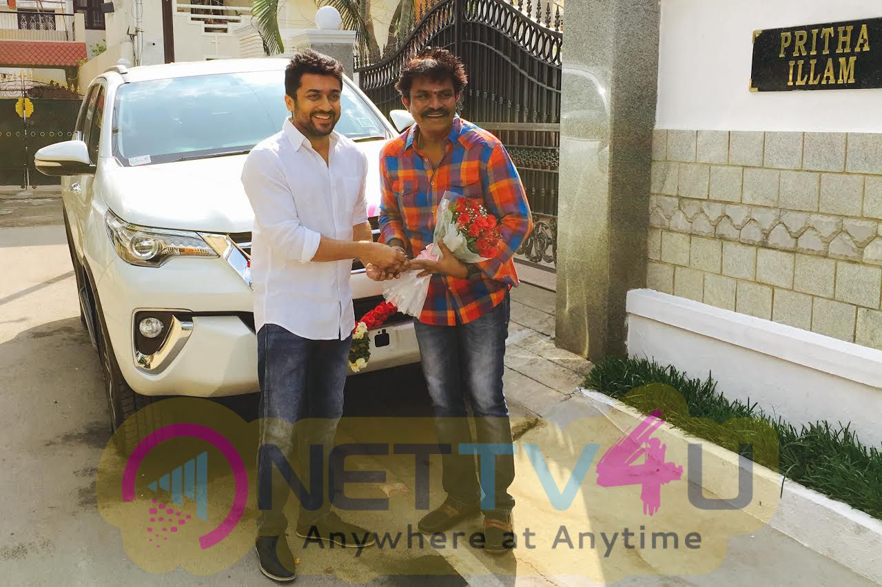 Actor Suriya Gifted Car To Director Hari