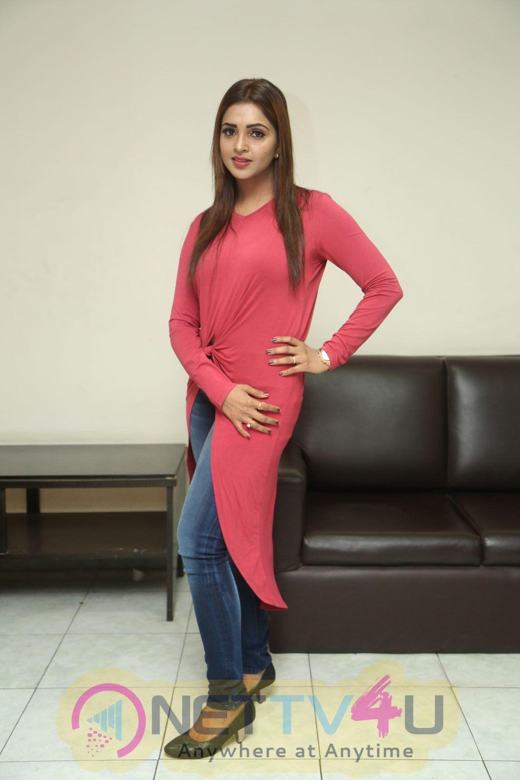 Actress Sanchita Padukone Attractive Images Kannada Gallery