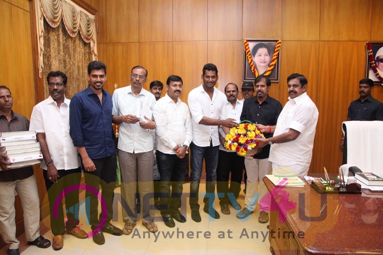 Vishal Thanked Chief Minister Edappadi Palanisamy At The Secretariat Photos