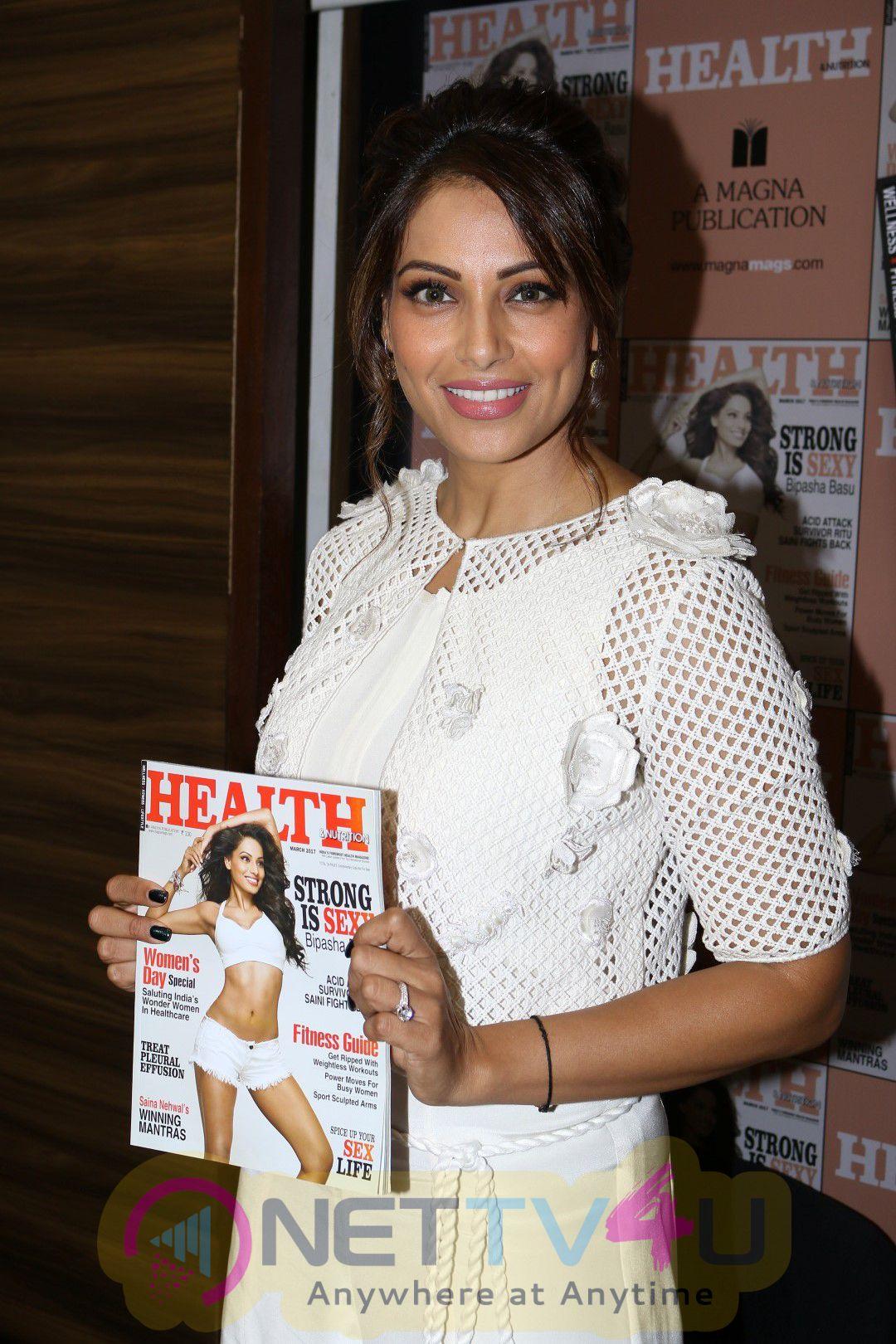 Bipasha Basu Unveils Health & Nutrition Success Issue Stills