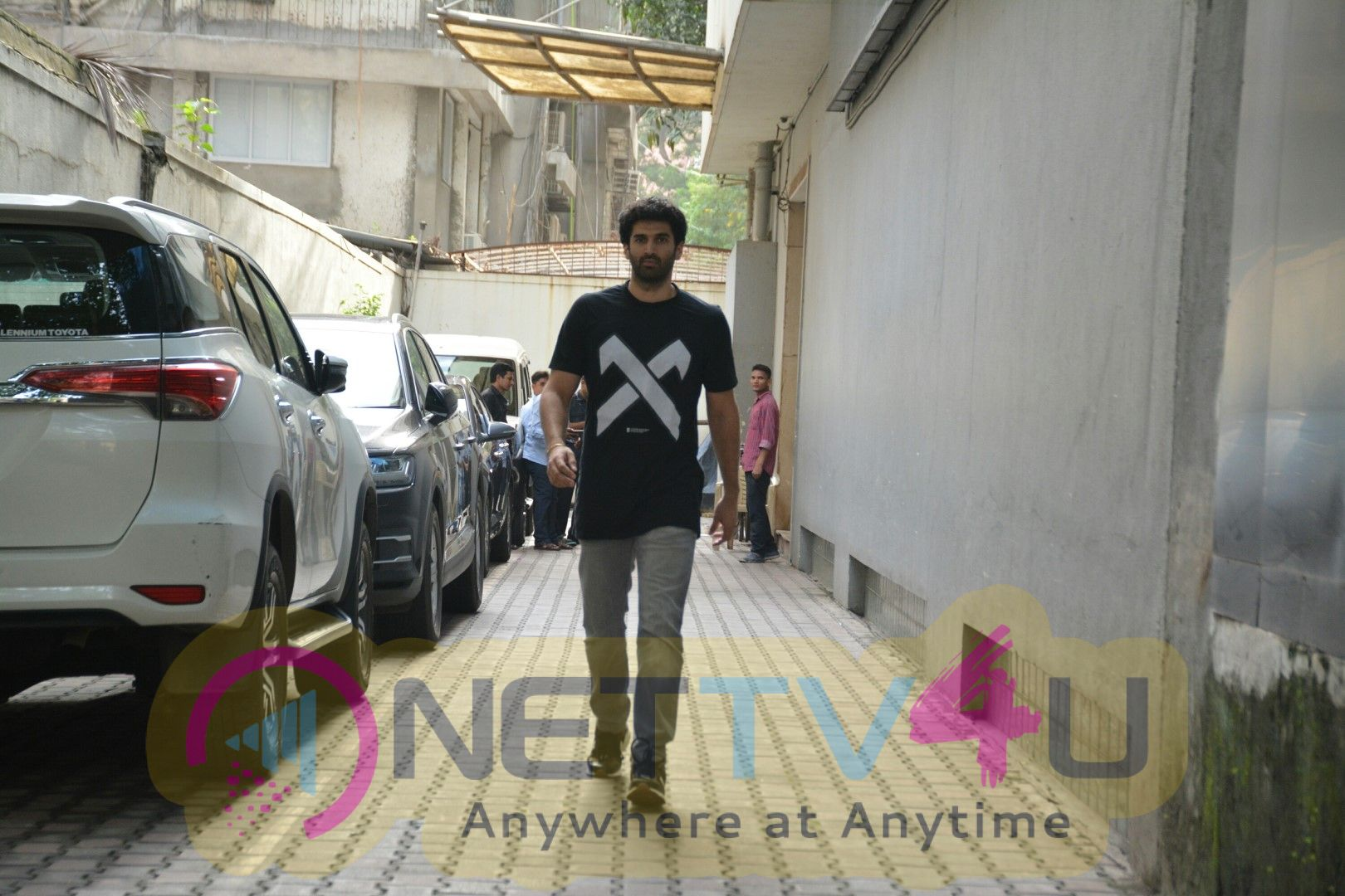 Aditya Roy Kapur Came To Dubbing Studio Hindi Gallery