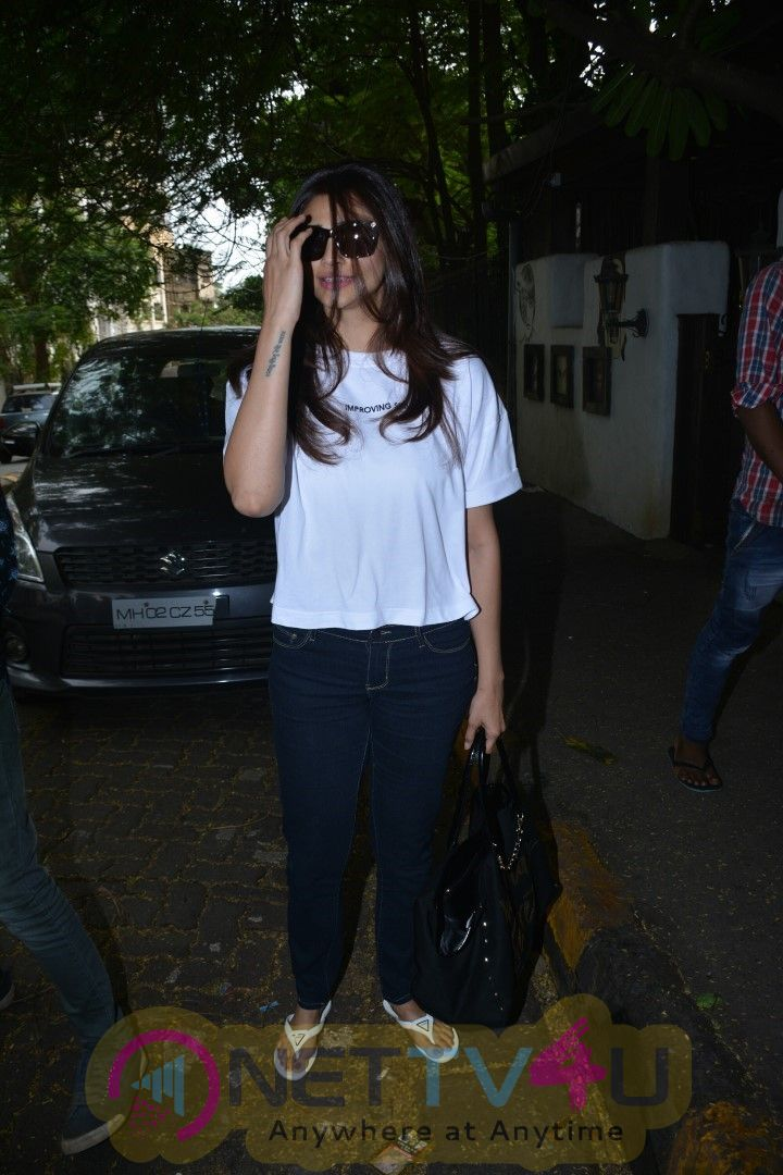 Daisy Shah Came To Recording Studio Pics