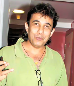 Deepak Tijori Hindi Actor