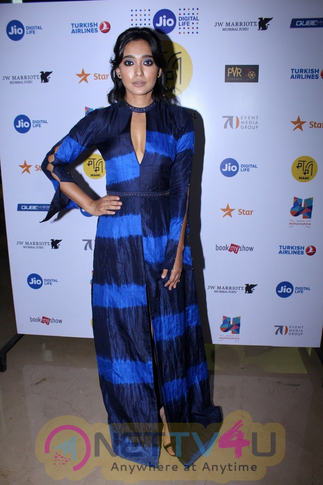 Red Carpet Of Film The Hungry With Naseeruddin Shah,Tisca Chopra & Many Celebs Photos Hindi Gallery