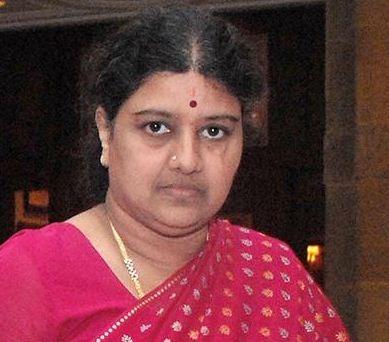 Telangana Government Sends Notice To Sasikala!