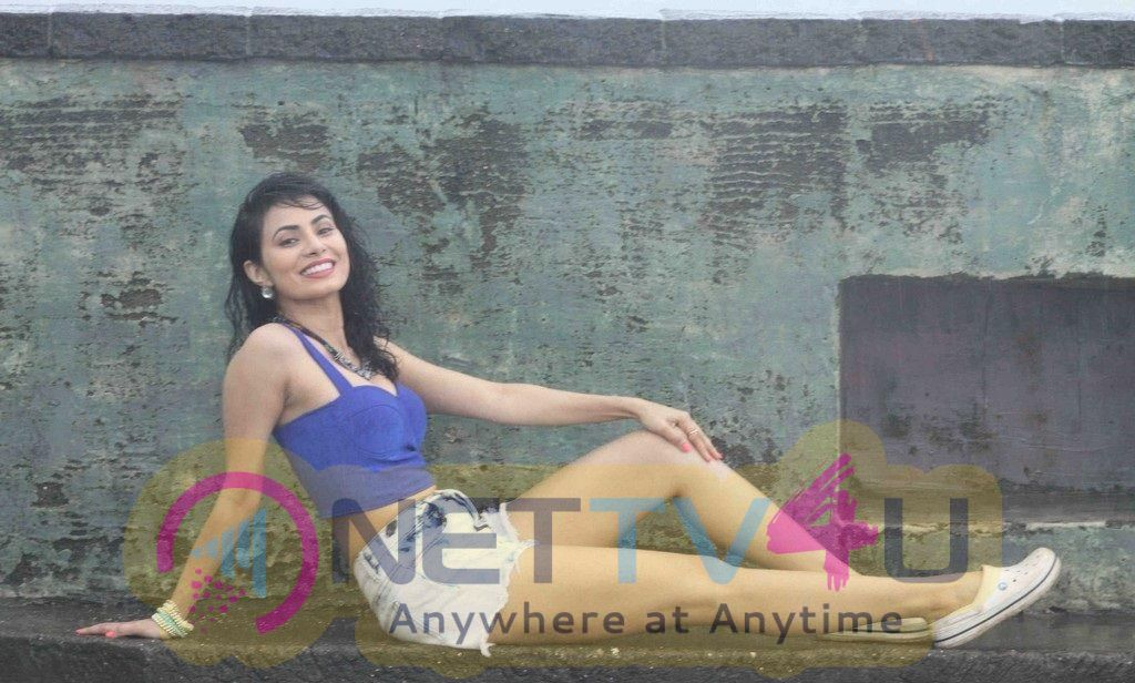 Manisha Kelkar New Pics