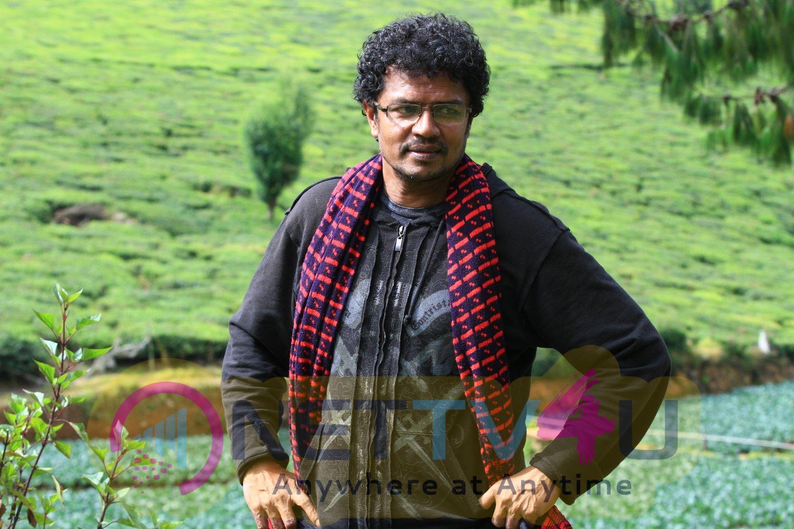 Mudivilla Punnagai Movie Stills Tamil Gallery