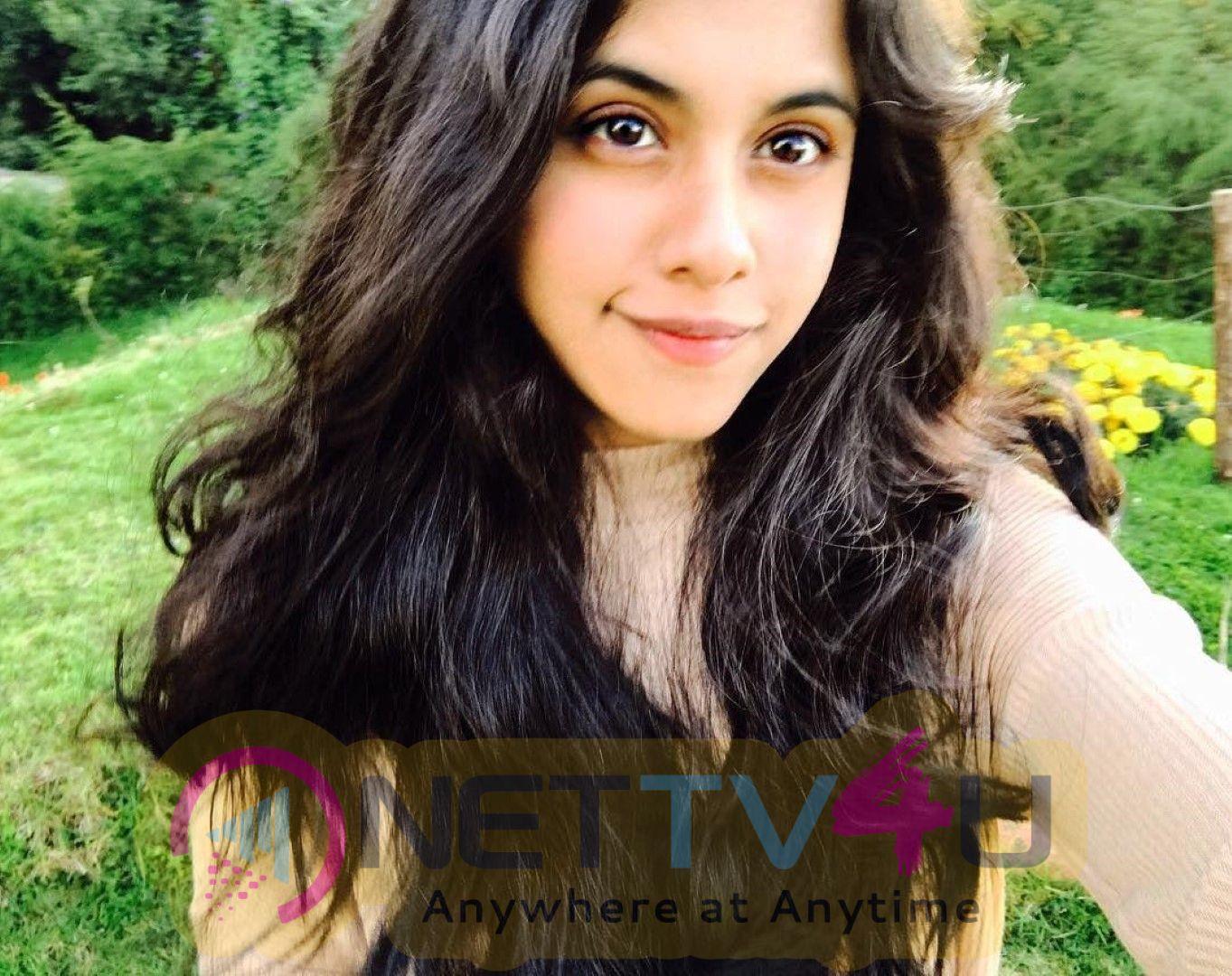 Actress Dishani Chakraborty Beautiful Images  Hindi Gallery