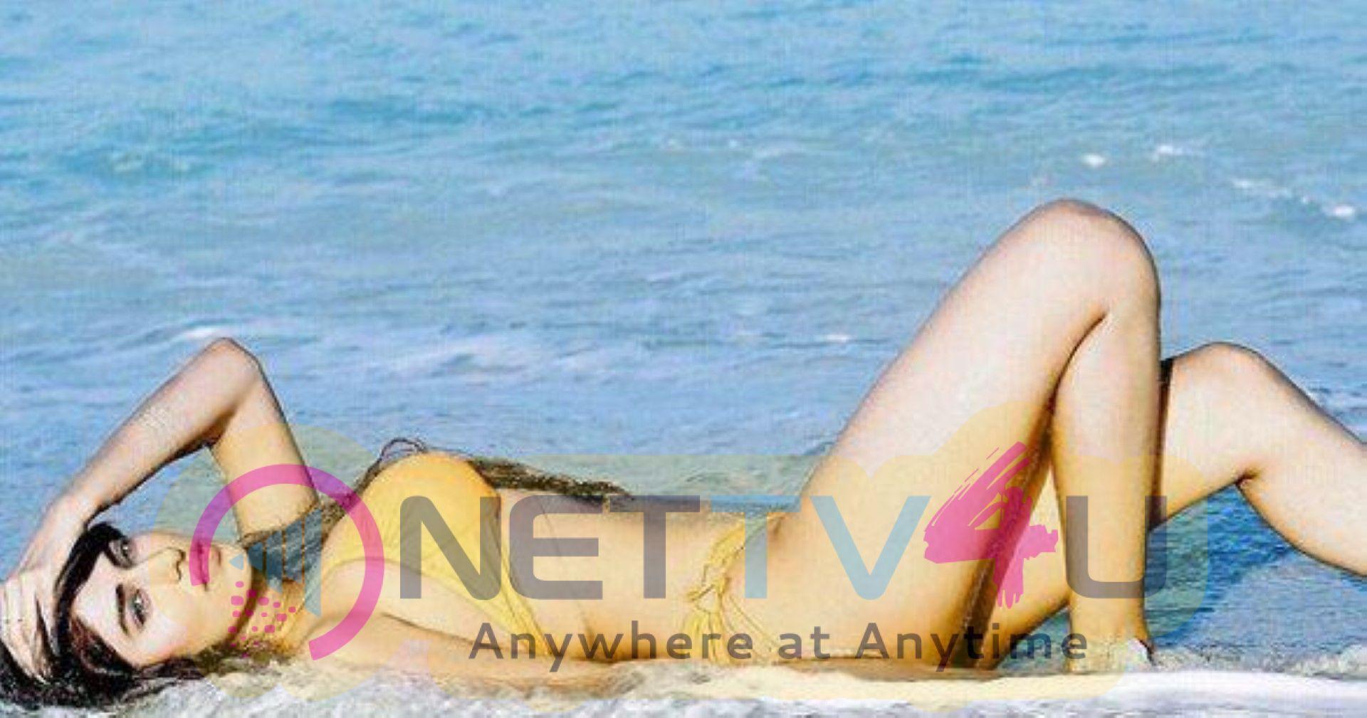 Actress Heena Harwani Hot Stills