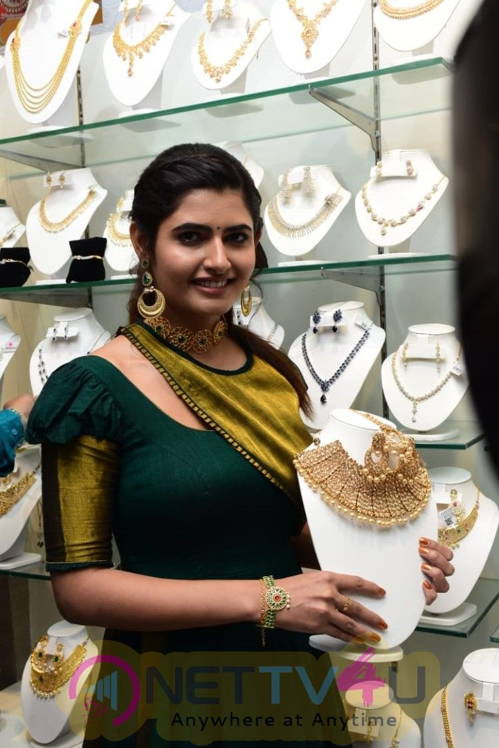 Voylla Fashion Jewelry Brand Launches Its Flagship Store In Hyderabad Images