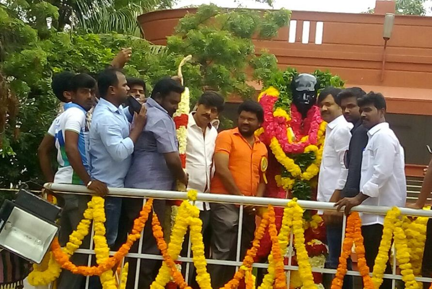 Actor Jeeva At Kamaraj Memorial House!