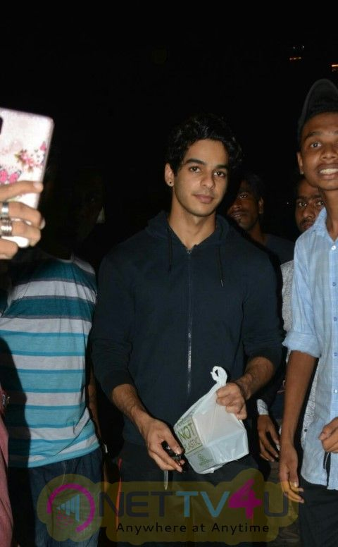 Ishaan Khattar  Came To Farmers Cafe Hindi Gallery