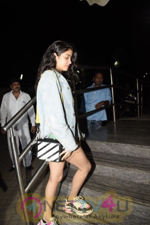Janvi , Arjun , Sanjay Kapoor Came To PVR Theater Photos Hindi Gallery