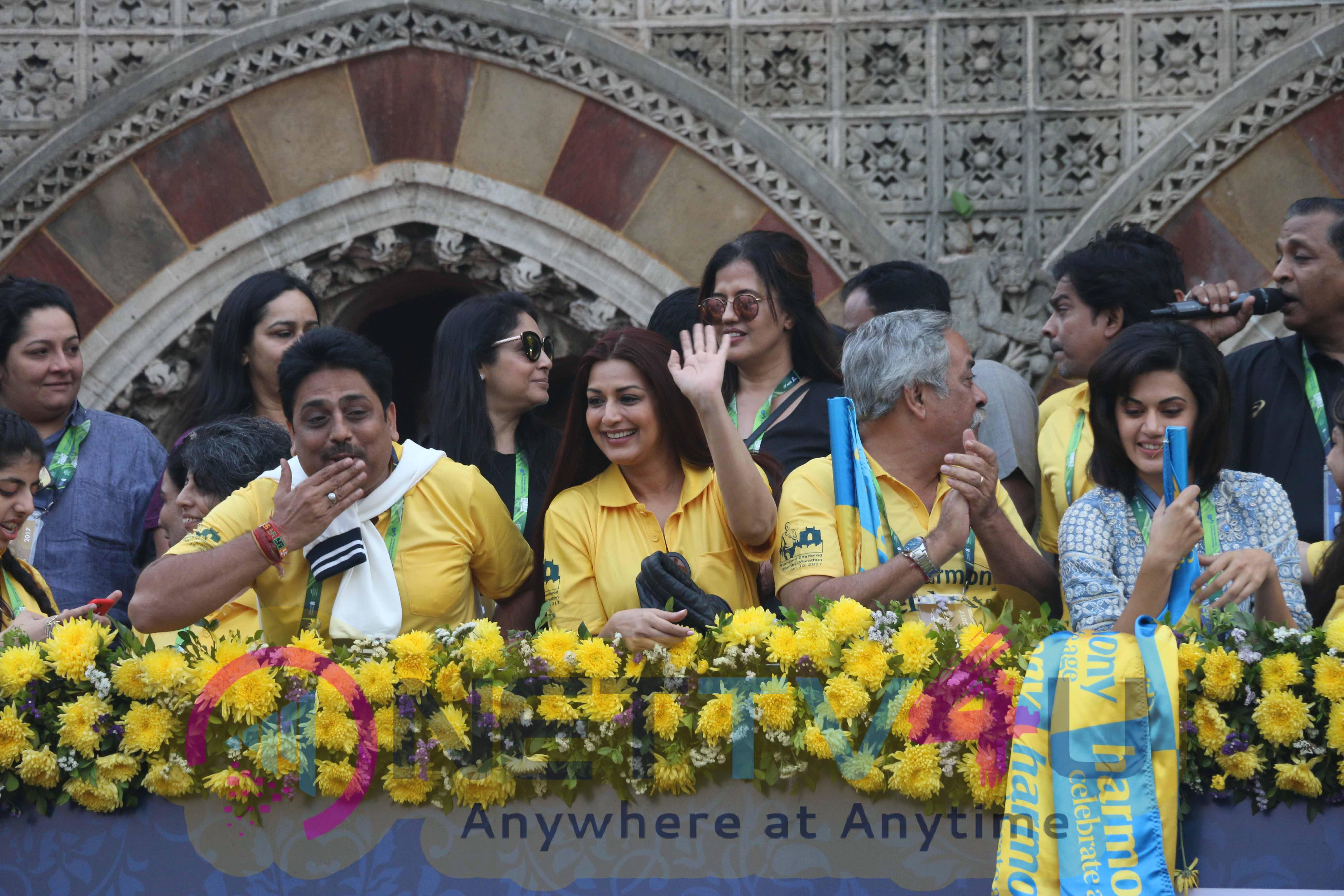 Mumbai Marathon 2017 Watch Celebs Join Hands In Support Stills