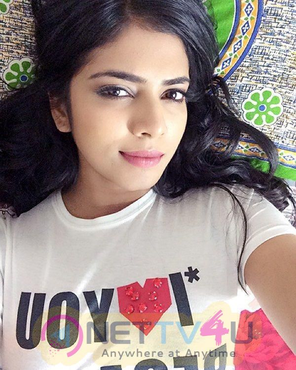 Actress Malavika Mohanan Lovely Pics