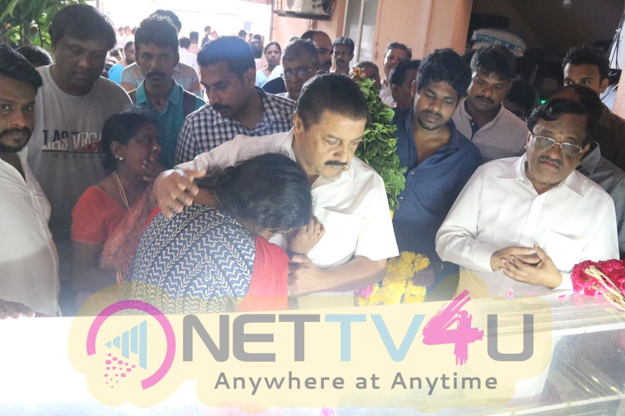 Celebrities Pays Final Respect To Writer Balakumaran Stills Tamil Gallery