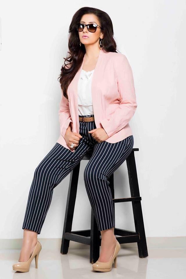 Actress Manisha Koirala Cute Images Tamil Gallery