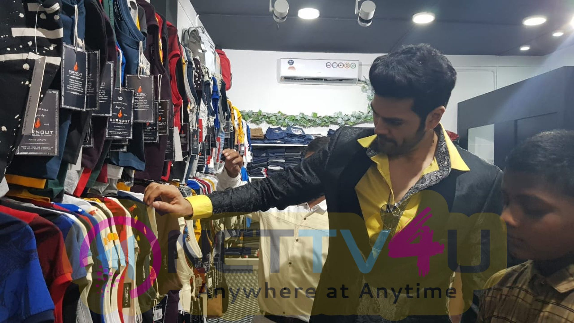 Actor Ganesh Venkatram Launched Swag Mens Wear Store In Triplicane Beautiful Images