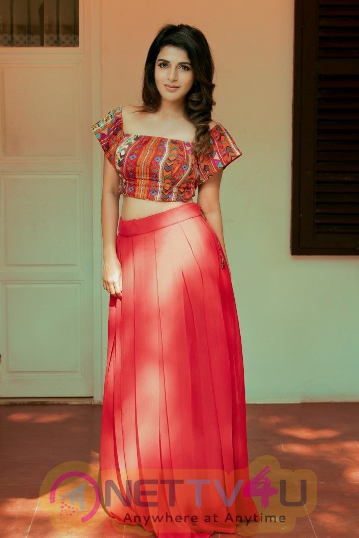 Actress Iswarya Menon  Pretty Stills
