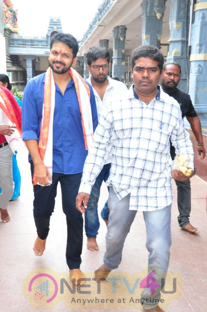 Chinababu Movie Team At Vijayawada Kanakadurga Temple Cute Images Telugu Gallery