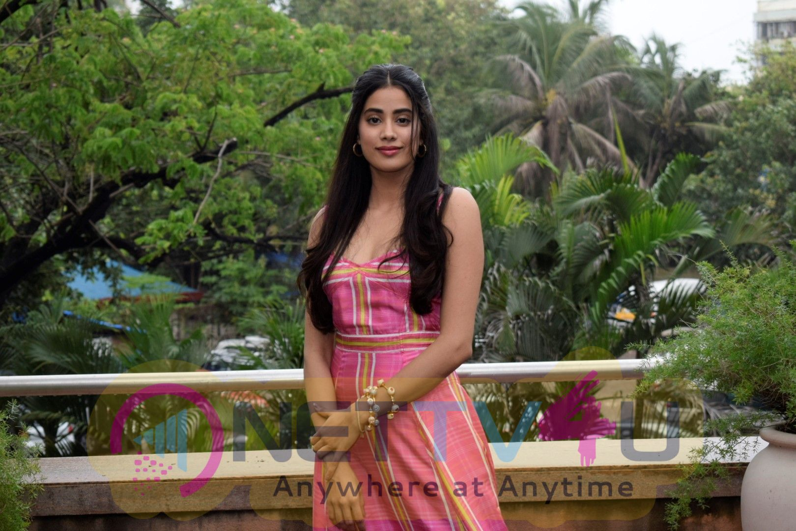 Janhvi Kapoor And Ishaan Khattar At Sun N Sand In Juhu Beautiful Images  Hindi Gallery