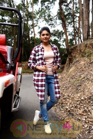 Next Nuvve Telugu Movie Images & Working Pics